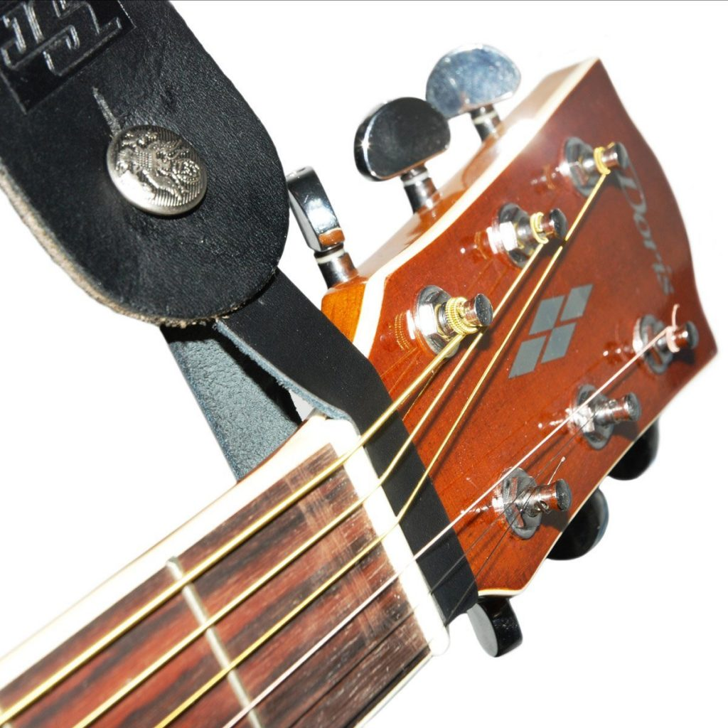 snap-on-strap-guitar