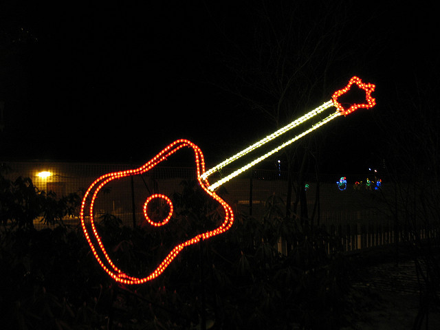 guitar-christmas-lights